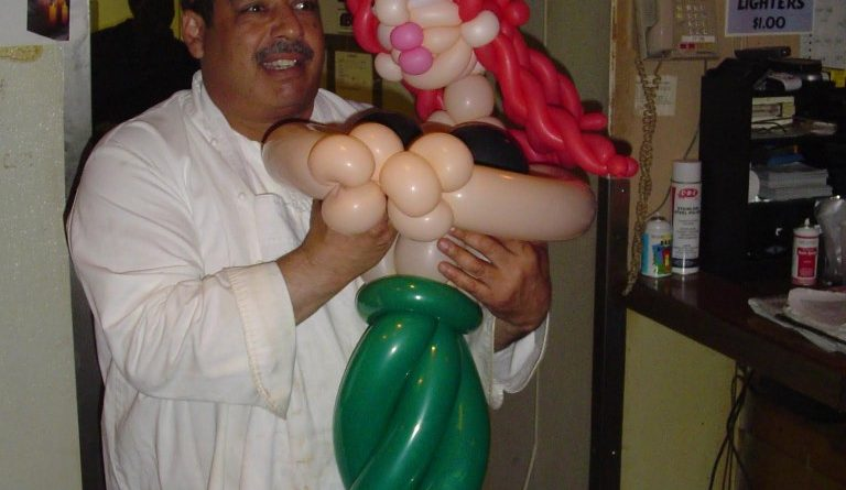 Balloon mermaid wearable balloon