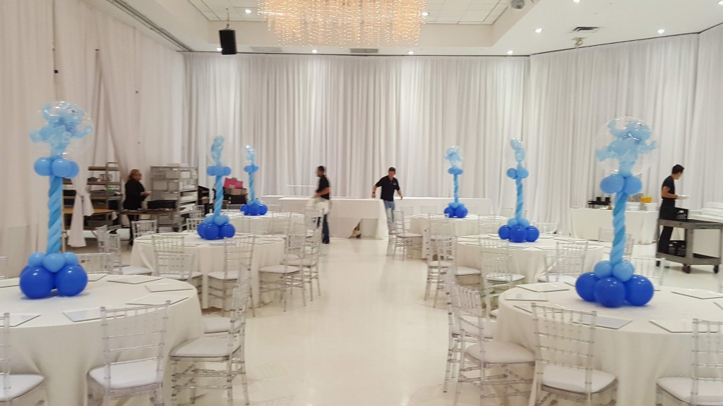 Its a boy teddy bear balloon centerpieces