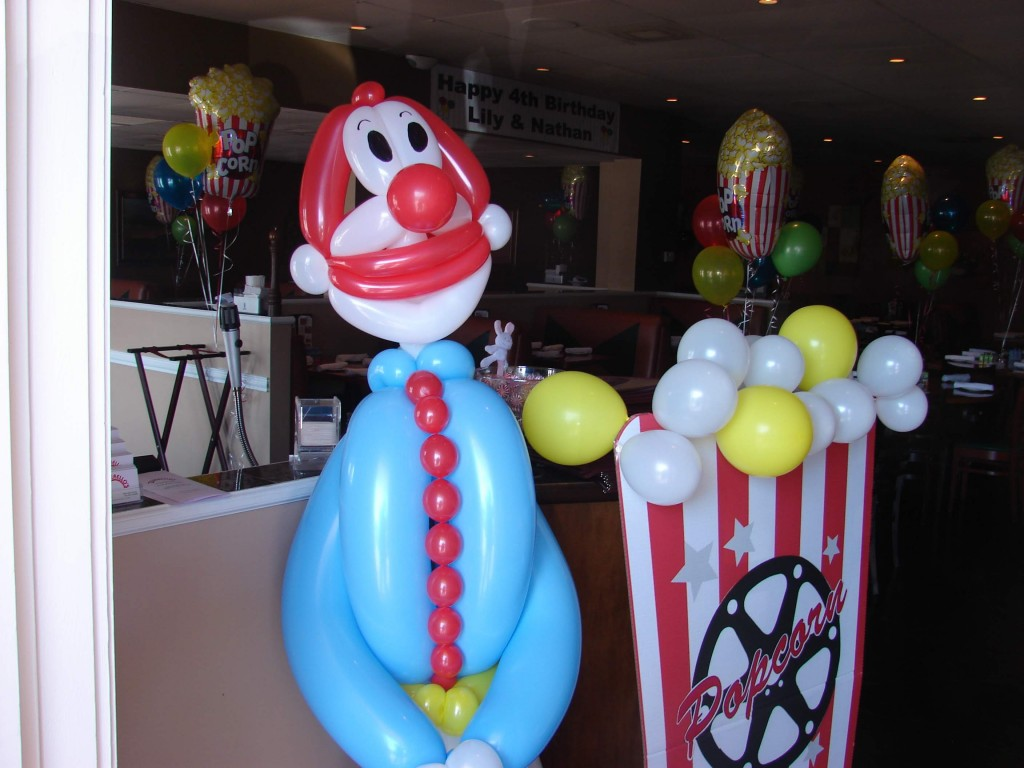 Large clown balloon stand-up