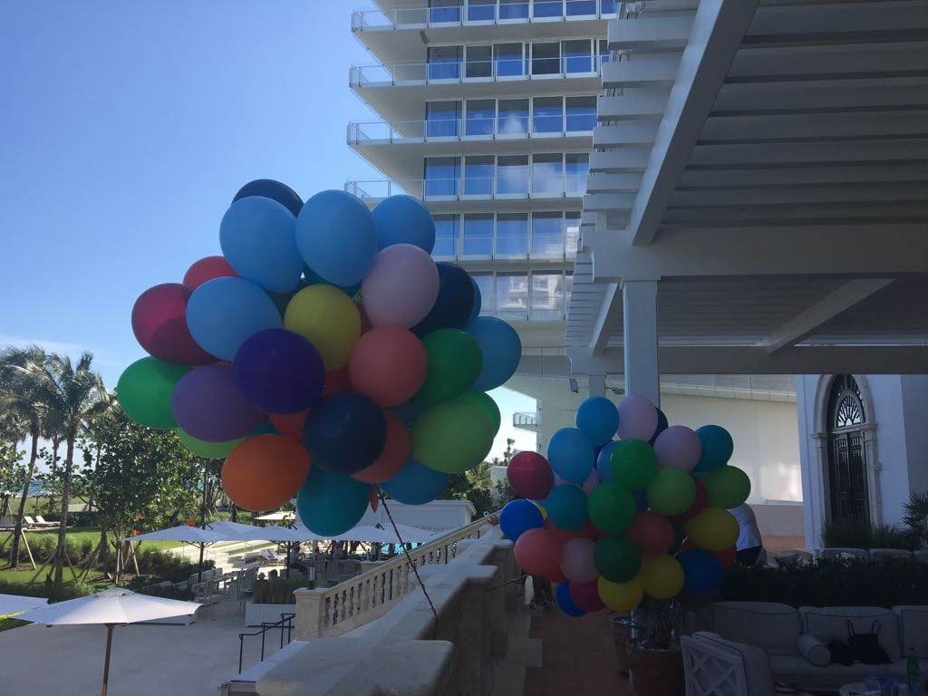 Multiple big balloon bouquet delivery