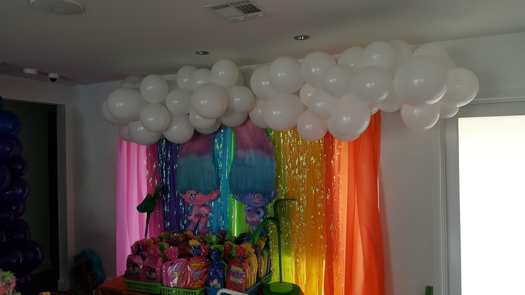 Organic balloon clouds for Trolls party