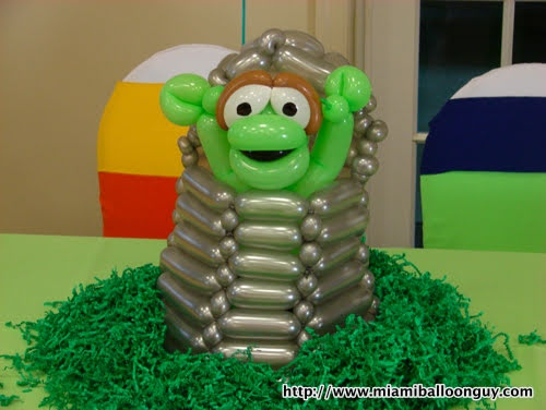 Sesame Street Oscar the Grouch balloon parody centerpiece